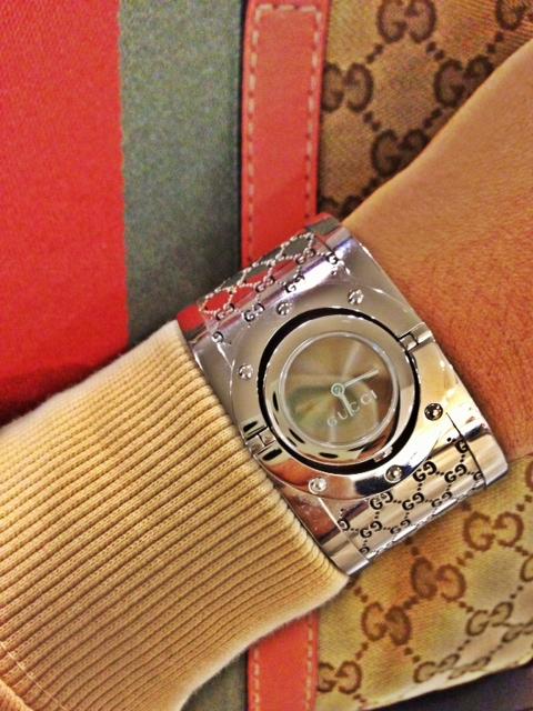 Gucci cuff-watch