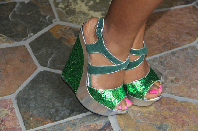ari's-greeen-shoes
